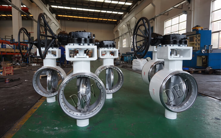 Welded renewable butterfly valve